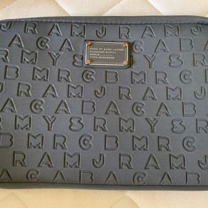 Marc by Marc Jacobs grey laptop case for 11'